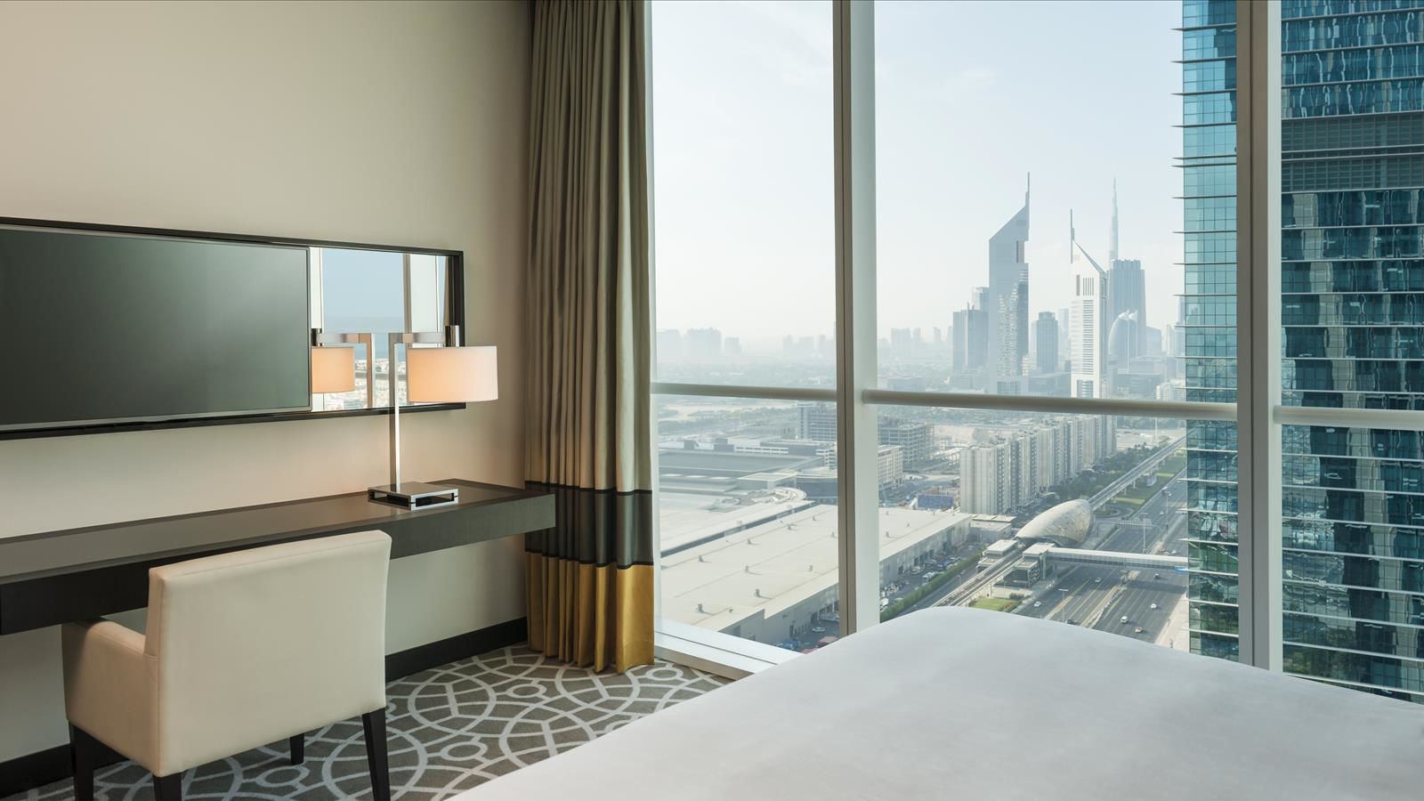 Hotel Apartments with Sheikh Zayed Road View